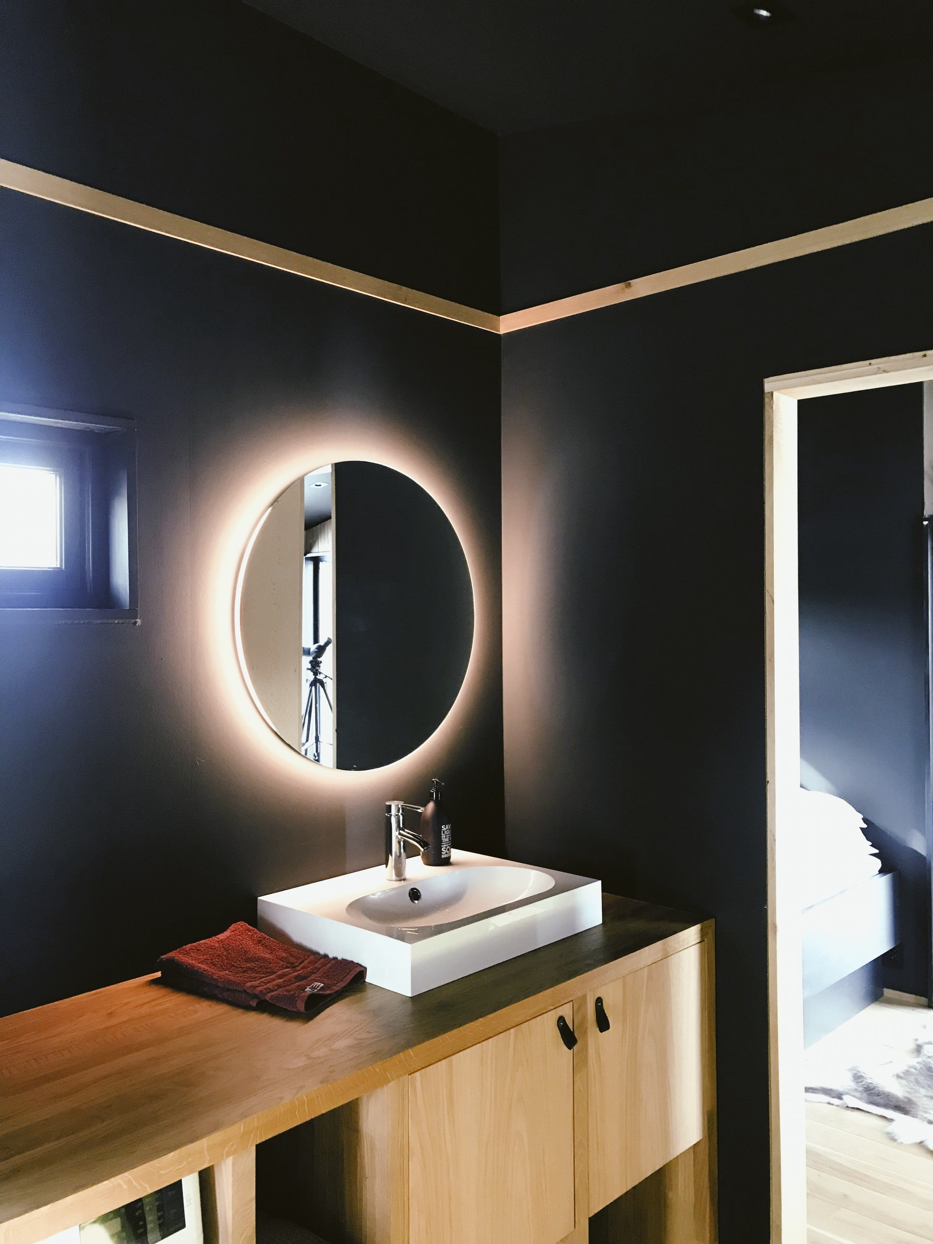 Mirrors have been known to add aesthetic value, since ages.